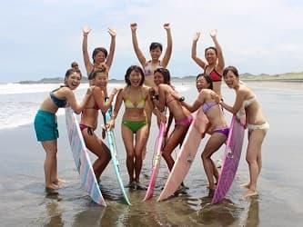 【千葉・サーフィンスクール】女性に人気の1回体験!波乗り気分を味わおう(2時間30分・レンタル込)