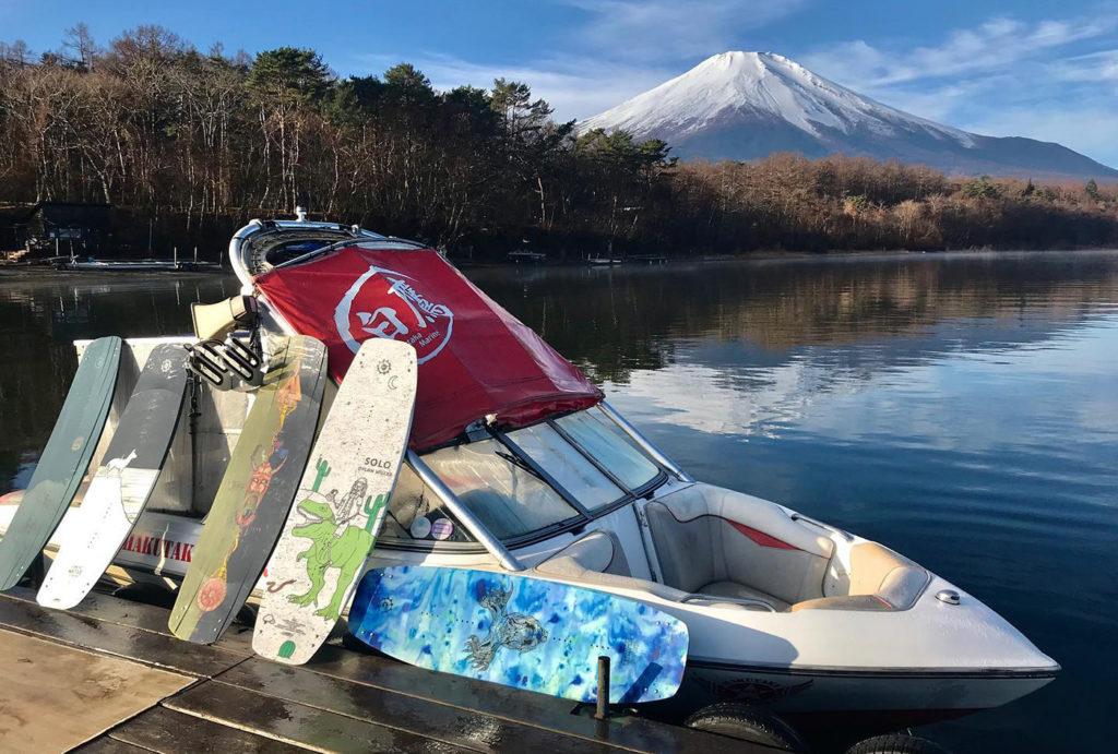 ウェイクボードプロによるレクチャー(+デモンストレーション)  山梨(山中湖ハクタカマリン)