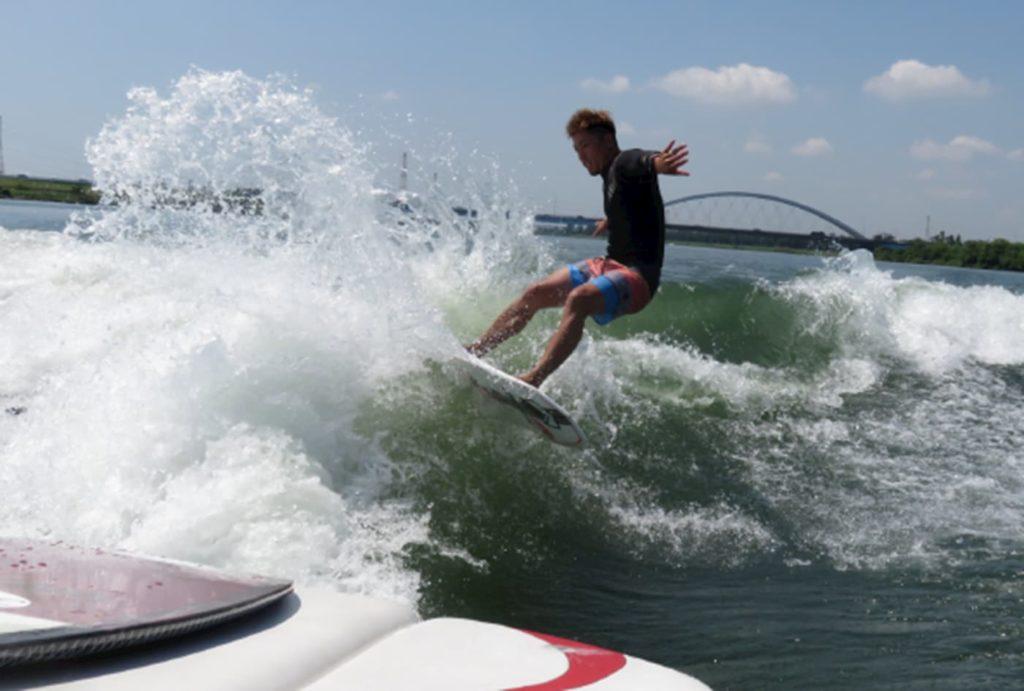 ウェイクサーフィン初心者体験コース | 三重(BALLISTIC)